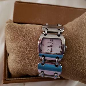 Michael kors watch. Silver